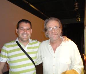 Con el cantautor Luis Eduardo Aute.