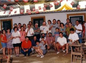 En la feria del Valle de septiembre de 1997, junto a un grupo de amigos.