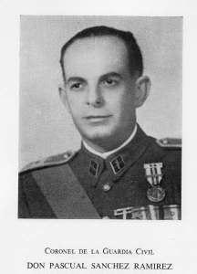 El teniente Pascual Sánchez Ramírez en la foto aparece con el grado de coronel).