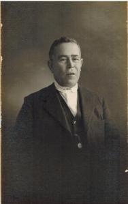 Francisco Bergillos (padre de Miguel, Francisco y Antonio) fue encarcelado en 1936.