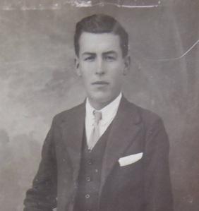 Francisco Ruiz Caballero, de Las Huertas de la Granja, fusilado junto a su hermano Felipe en fecha indeterminada.