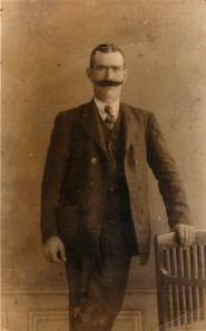 17.El ferroviario anarquista José Santiago Jiménez, fusilado el 6 de agosto de 1936 en la vereda de Los Limones.