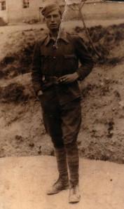 32.Miguel García Ruiz combatió como soldado en la defensa antiaérea republicana. Al acabar la guerra estuvo preso en Montilla y en un batallón disciplinario de soldados trabajadores en Rentería (Guipúzcoa) y Lesaca (Navarra).
