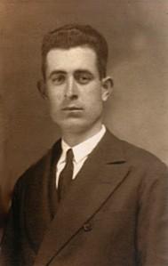 36.Francisco García Carrasco, escribiente del Ayuntamiento, secretario de la Sociedad obrera La Parra Productiva y de la Casa del Pueblo. Fue fusilado el 31 de julio de 1936.